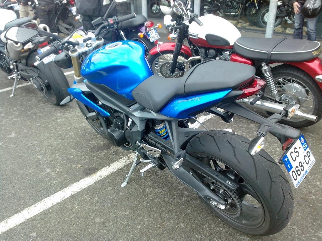 niveau embrayage hydraulique moto droite